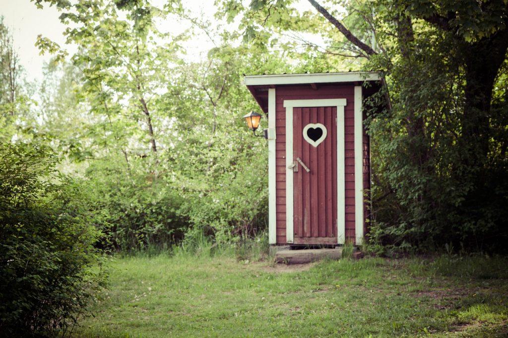 Homes - Dry Toilet Country Door Closet Dry